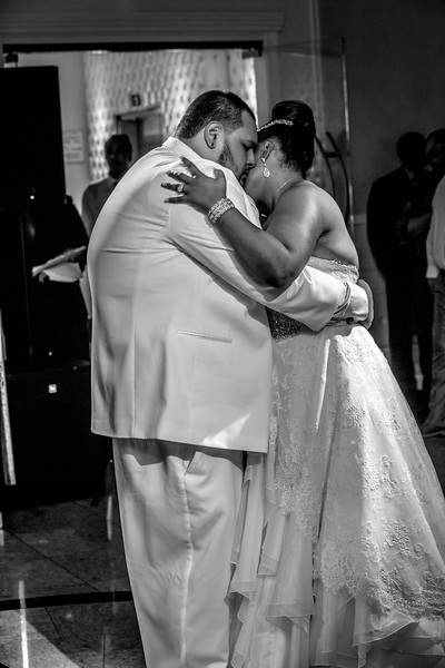 MEG_5570_tonya_josh_new jerrsey wedding photography.jpg