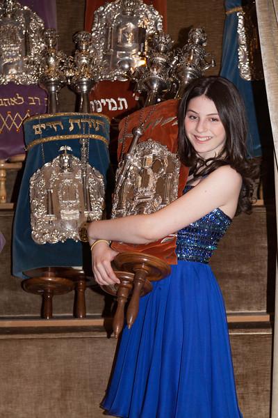Hannah in Temple-6681.jpg