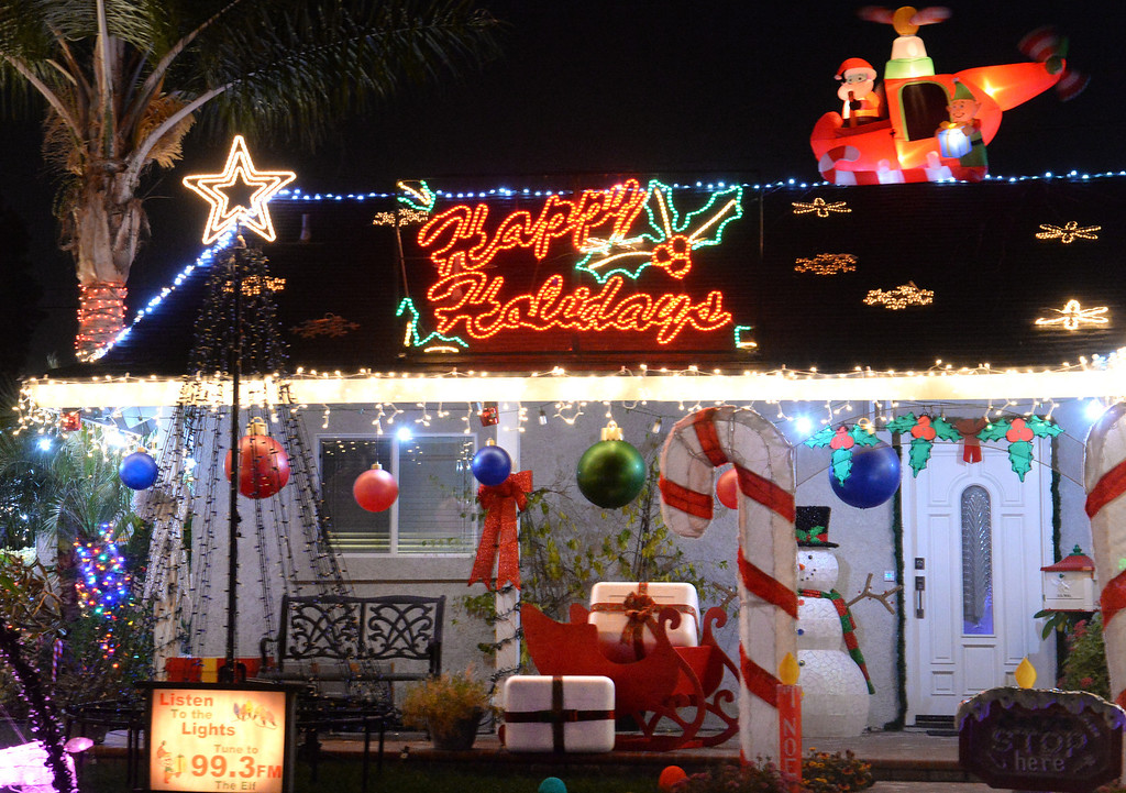 . Holiday lights on display on the 12800-block of Elmrock Avenue in La Mirada on Friday December 20, 2013.  (Staff Photo by Keith Durflinger/Whittier Daily News)