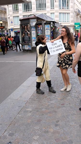 Free-Hugs L214 in Paris  16/08/2017
