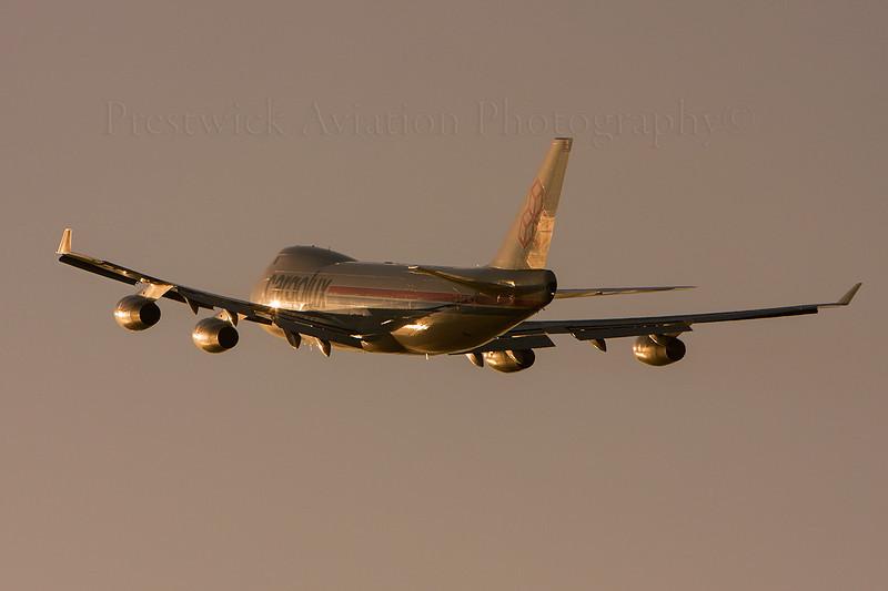LX-MCV. Boeing 747-4R7F SCD. Cargolux. Prestwick. 050508.
