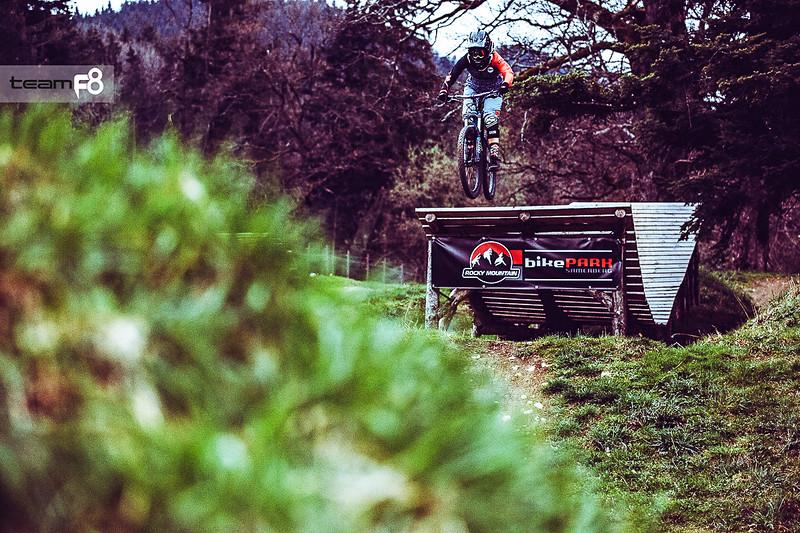 046_monica_gasbichler_bikepark_samerberg_2016_tphoto_team_f8.jpg
