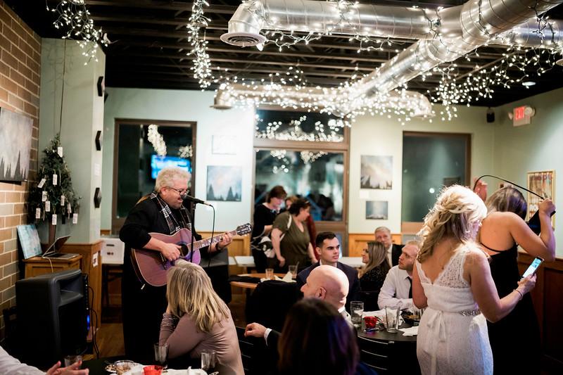 diane-ron-hughes-metro-detroit-wedding-0317.jpg