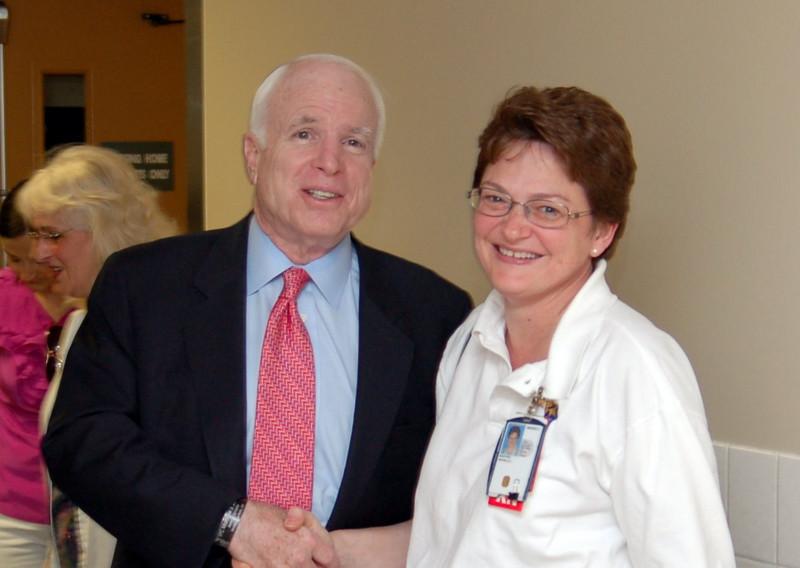 Sen McCain PVAHCS Visit 5-1-2010 5-28-57 PM.JPG