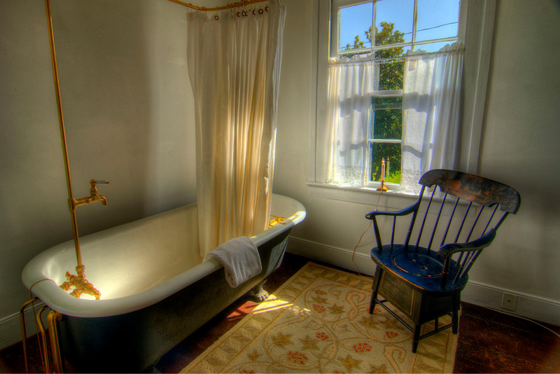 A classic bathroom at A Tailor's Lodging in Abingdon, VA on Friday, October 19, 2012. Copyright 2012 Jason Barnette