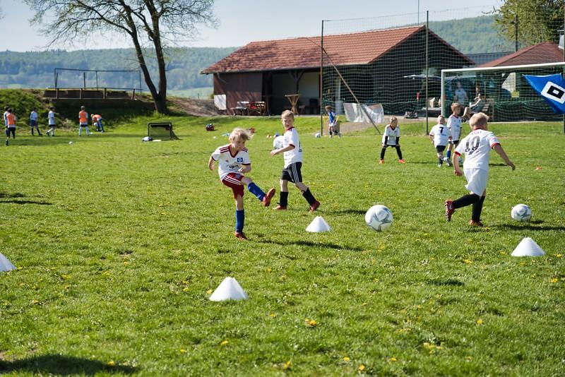 hsv-fussballschule---wochendendcamp-hannm-am-22-und-23042019-w-51_47677905812_o.jpg