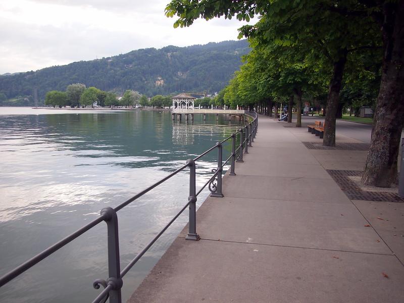 P7144643-lakeside-walk.JPG