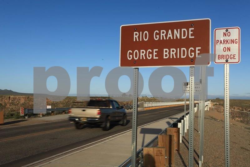 Rio Grande Gorge Bridge 6766.jpg