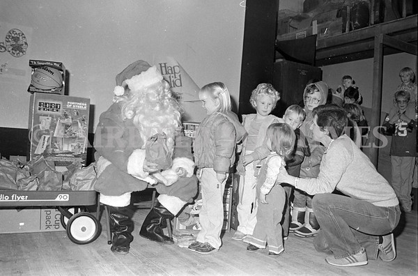 1985 Santa And Kids at Star Theater