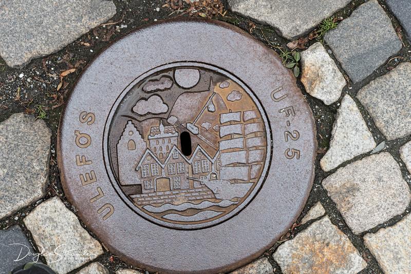Bryggen manhole cover