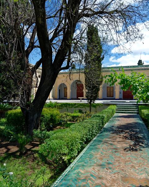 U 2416 Fez Riad Garden.jpg