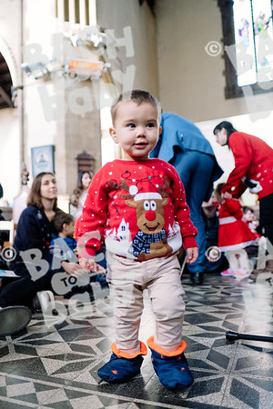 © Bach to Baby 2019_Alejandro Tamagno_Victoria park_2019-12-18 017.jpg