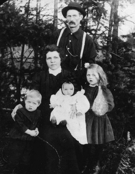 Edwin and Nellie (Allen) Herdrich Family