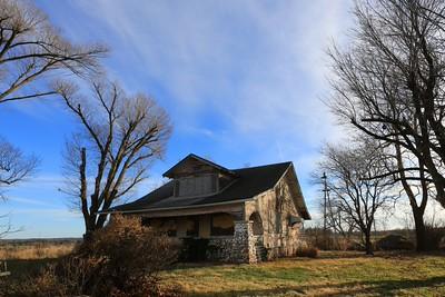 Barns and homes near Springfield MO 2015