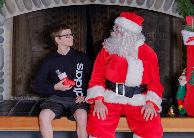 CB Santa 2019-7618.jpg