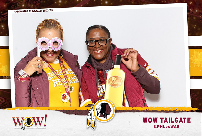 washington-redskins-philadelphia-eagles-wow-fedex-photo-booth-20181230-010324.jpg