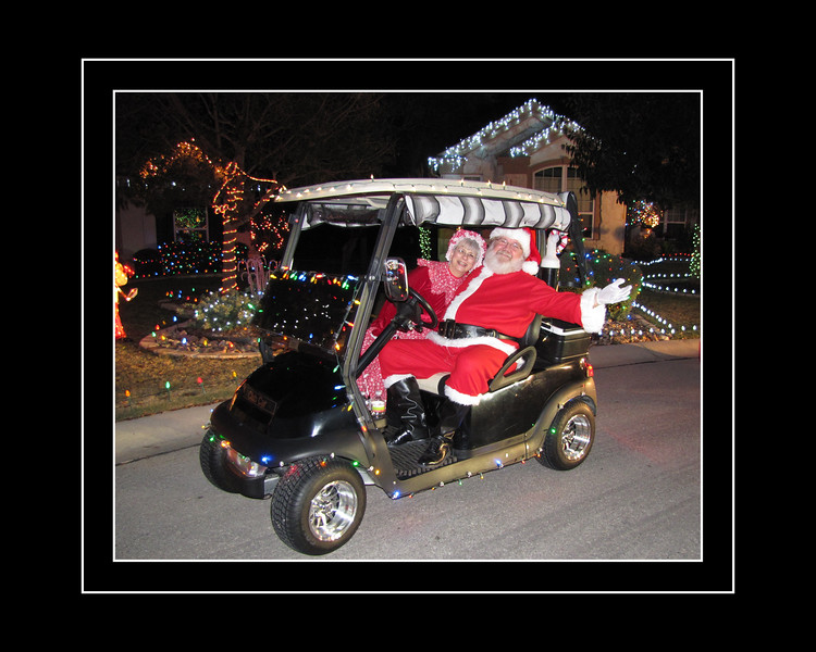 25-Santa And Mrs.jpg
