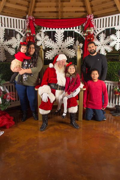 Santa 12-16-17-323.jpg