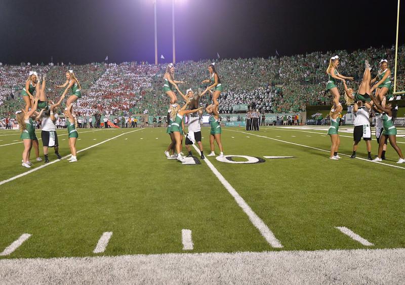 cheerleaders6201.jpg