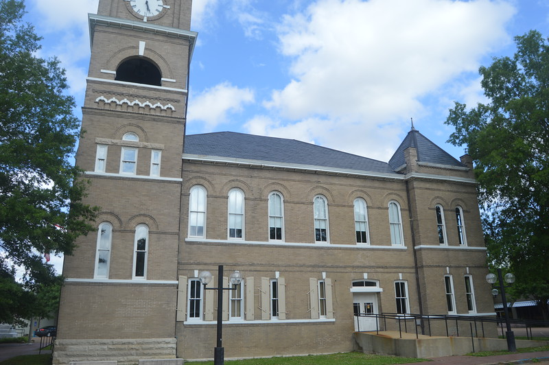 072 Tallahatchie County Courthouse.JPG