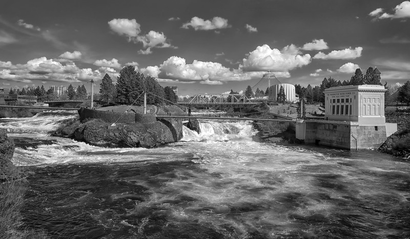 Spokane Falls in Black & White