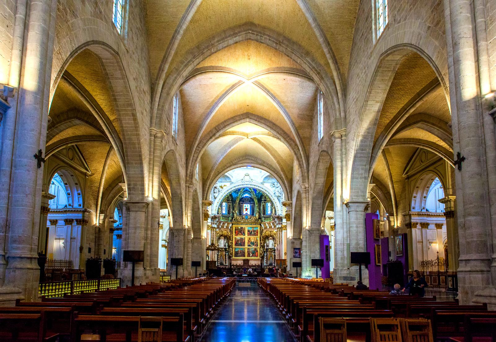 西班牙巴伦西亚主教堂,边看边叹