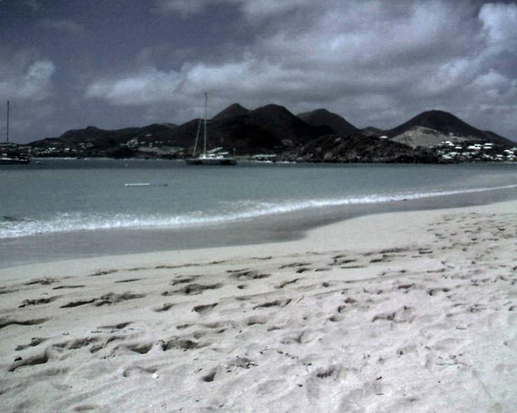 Pinel Island Beach.jpg
