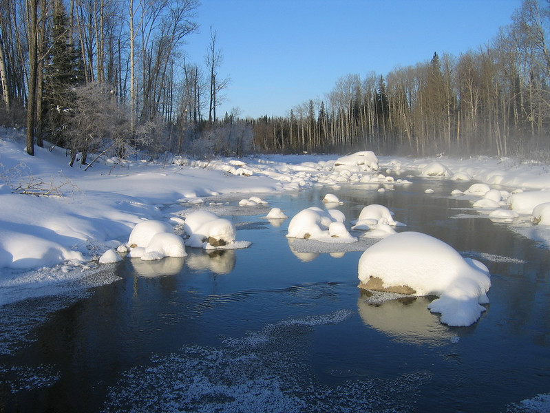 IMG_2736_winter_creek_neskantaga_winter_road_resize.JPG
