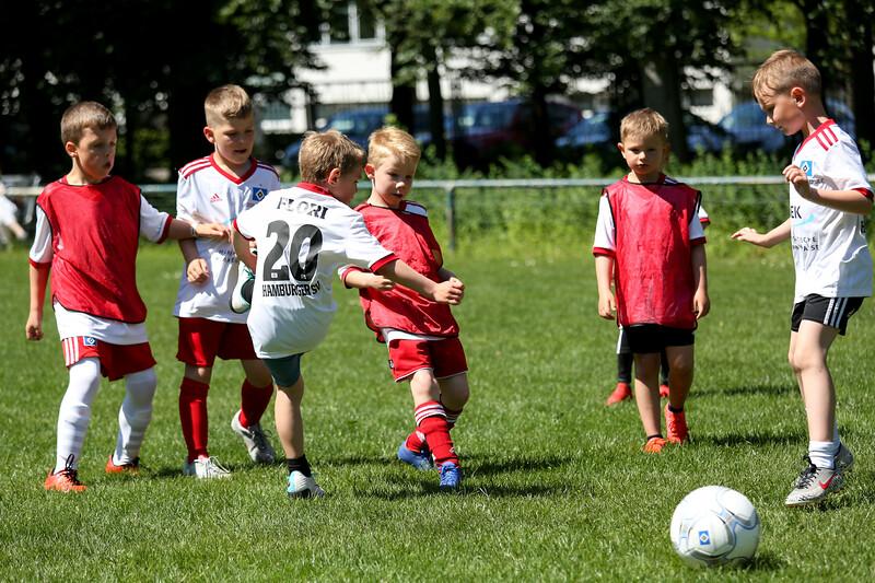 hsv_fussballschule-517_48047944656_o.jpg