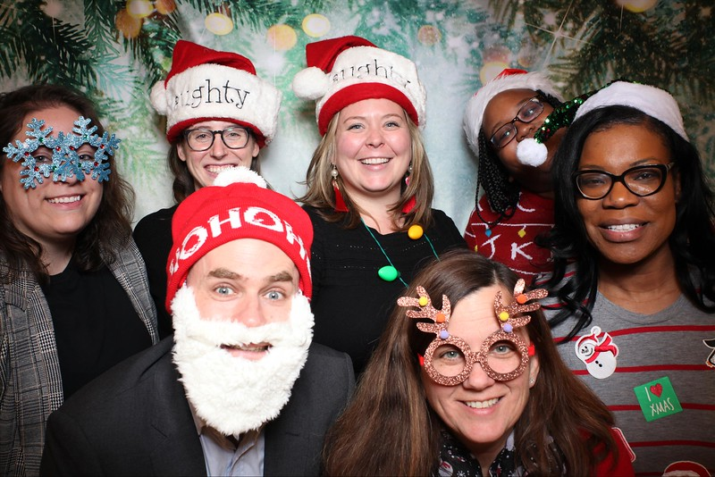 2019UniversityOfChicagoLawSchoolHolidayParty30.jpg