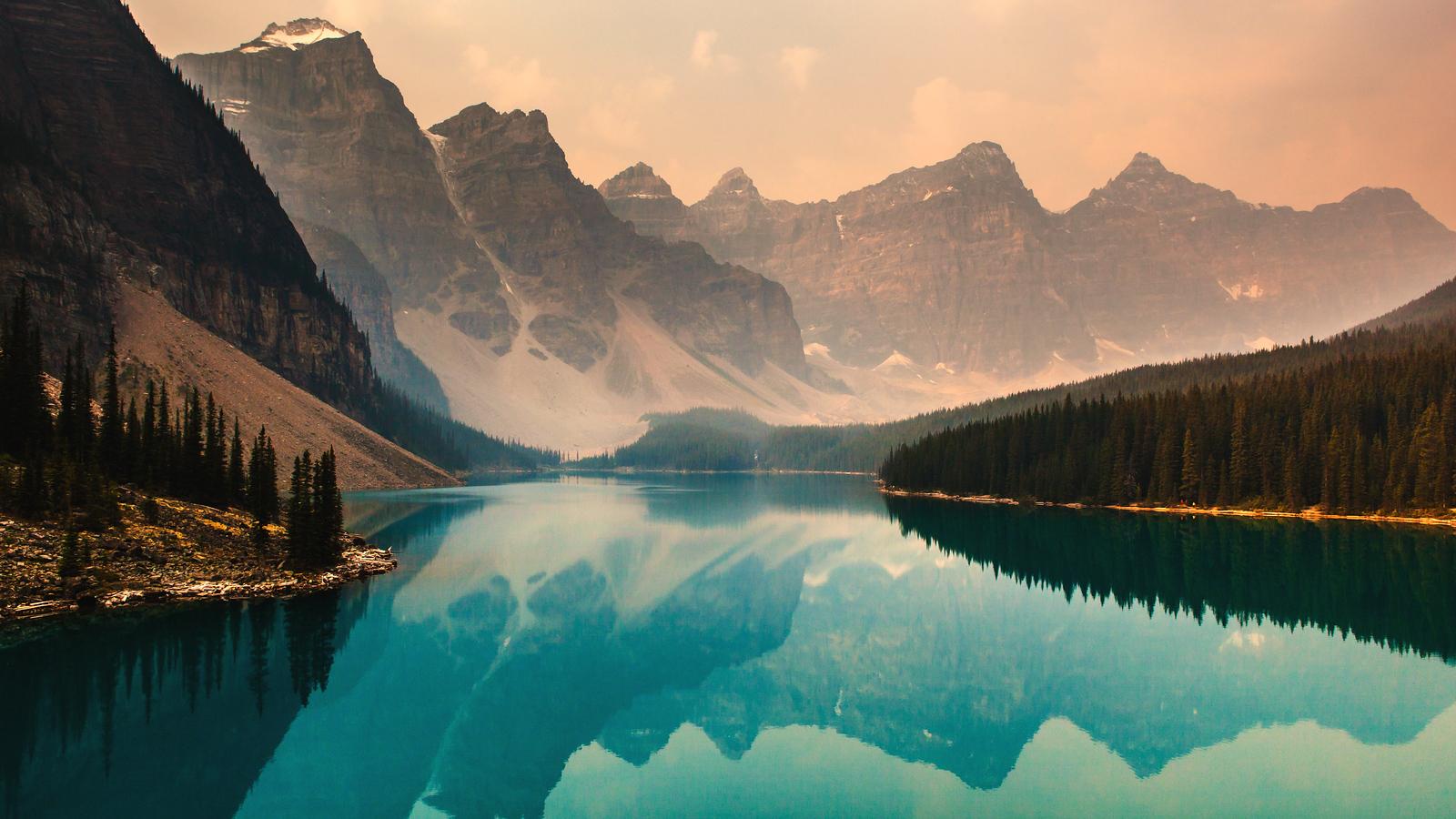 加拿大梦莲湖,梦幻的倒影