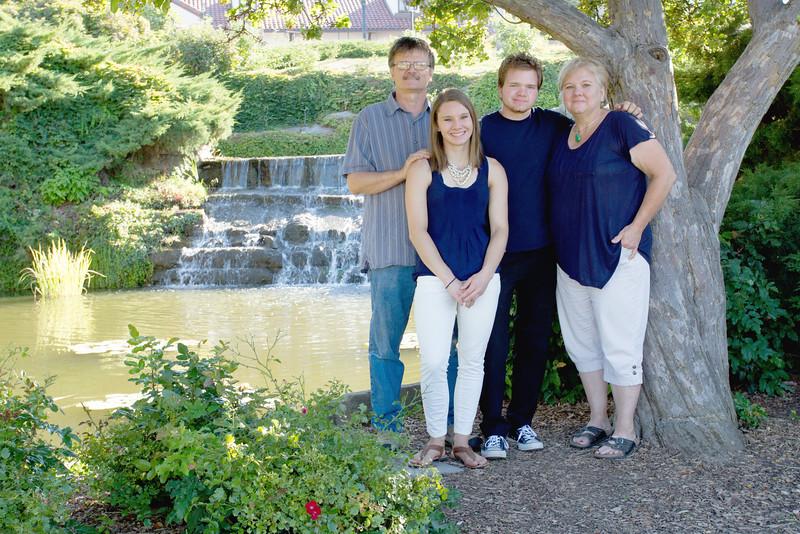 FamilyPortrait_8.20.16_7.jpg