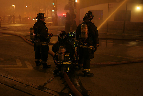 4-11 ALARM FIRE 340 S.HALSTED GREEKTOWN (1-31-10)
