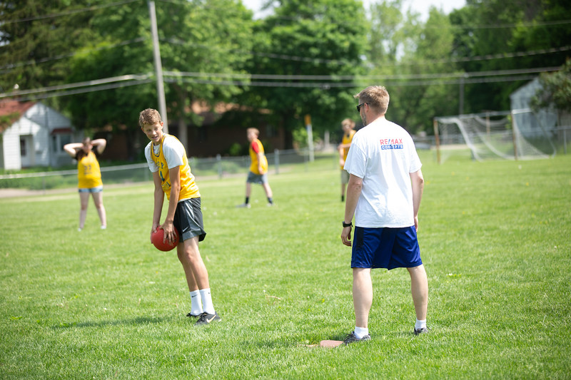 OSCI-8thgradevsteachers-kickball-28.jpg