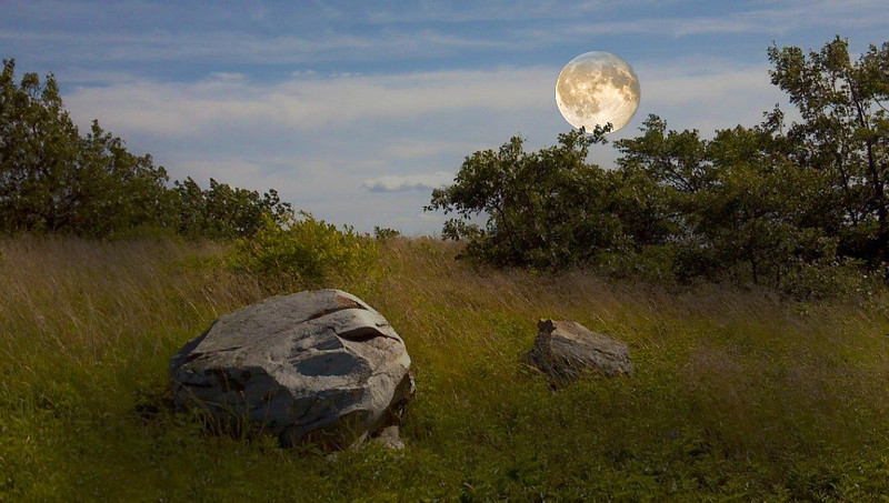 high Point 1 moon.jpg