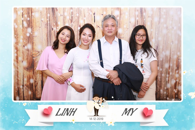 Linh-My-wedding-instant-print-photo-booth-in-Ha-Noi-Chup-anh-in-hnh-lay-ngay-Tiec-cuoi-tai-Ha-noi-WefieBox-photobooth-hanoi-148.jpg