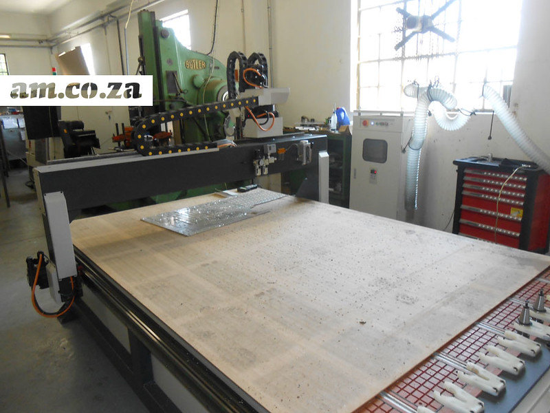 CNC Router with Tool-Changer.jpg