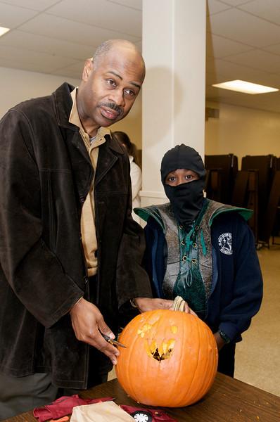 Cub Scouts Pumpkin Carving  2009-10-22  22.jpg