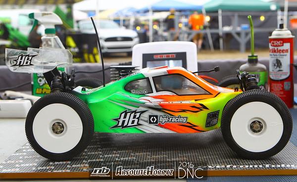 Friday Buggy Qualifying