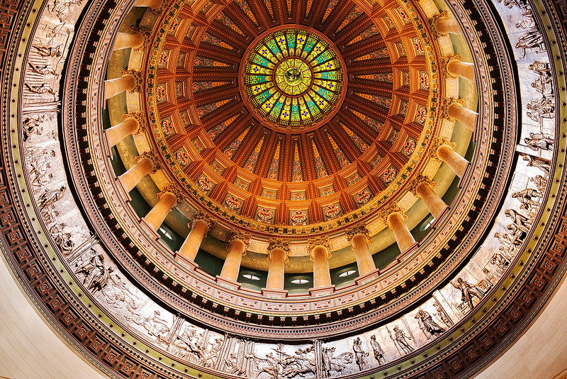 Took this beautiful, overhead view of the inner dome of the State Capitol of the state of Illinois, the USA on 20/9/17. This building is in Springfield.