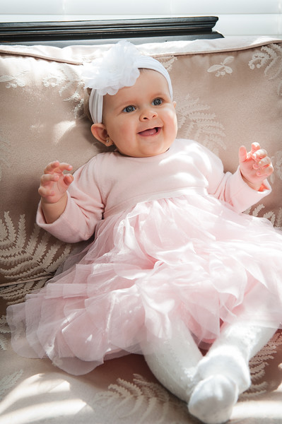 Lily at 6 months-4587.jpg