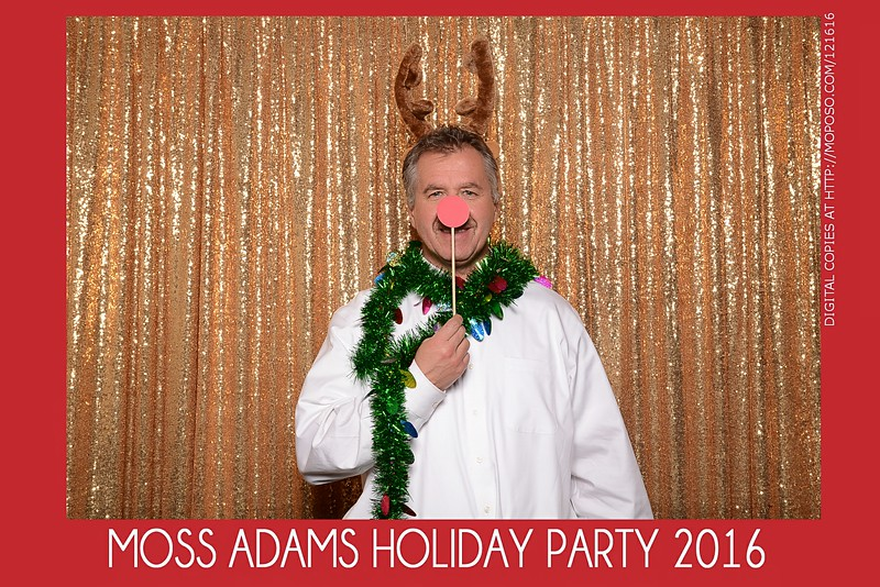 20161216_MOPOSO_Tacoma_Photobooth_MossAdamsHoliday16-173.jpg