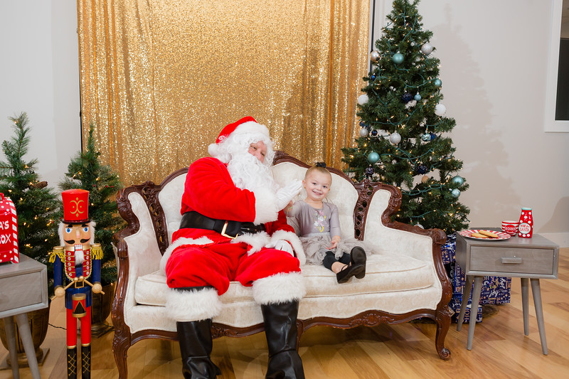 FADS Picture with Santa-298.jpg