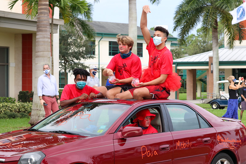 10.2.20 CSN Homecoming Senior Entrance-50.jpg