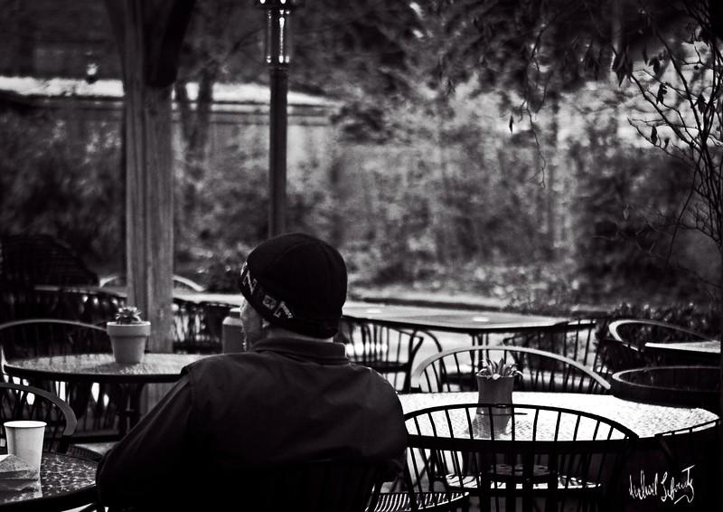 cafe morning  b&w.2020