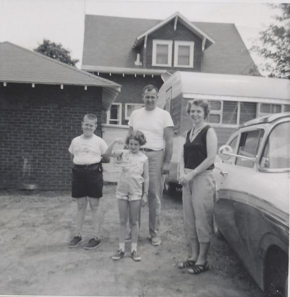 Sullivan family June 1959.jpg
