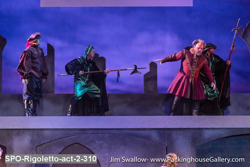 SPO-Rigoletto-act-2-310.jpg
