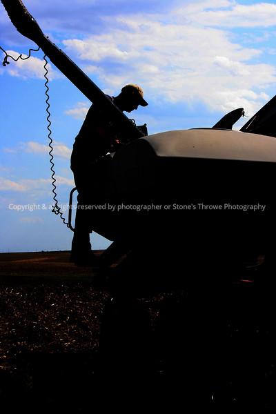 029-portrait_farmer_silhouette-bridgewater-c1-xxmay08-2403