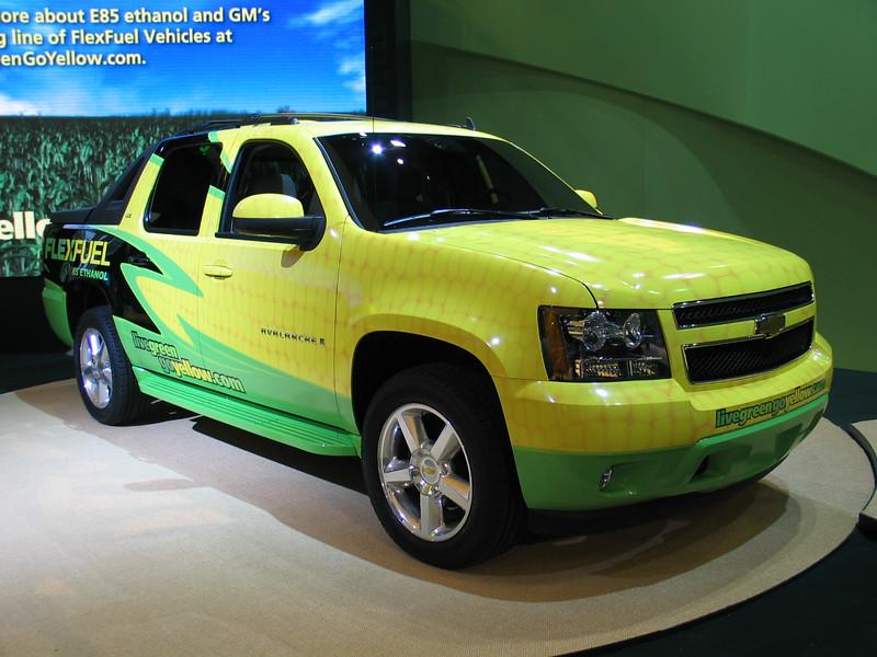 Chevrolet Avalanche (livegreengoyellow.com)