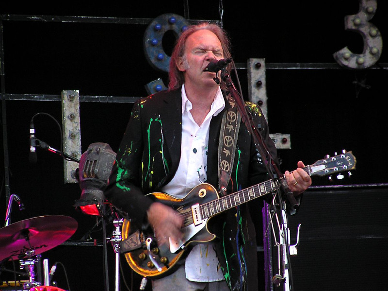 Neil Young Rock Werchter 4-7-08 (111).jpg